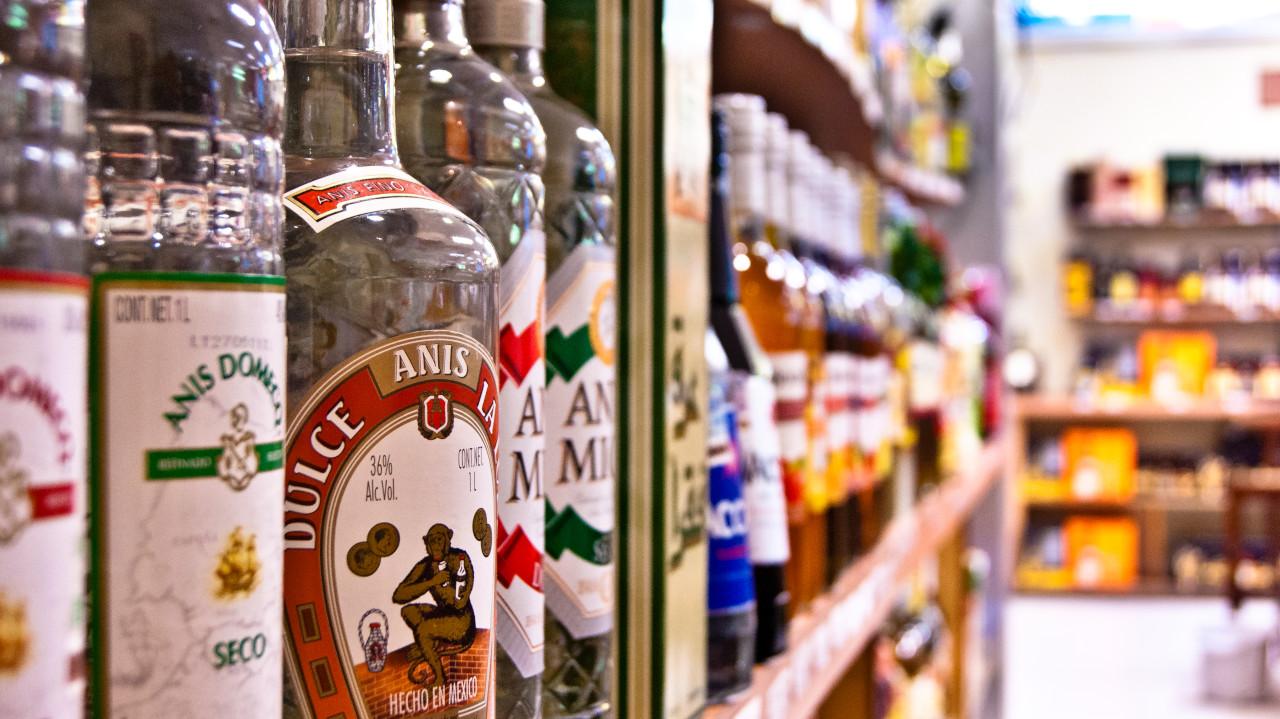 Botellas en sucursal Sampieri vinos y licores